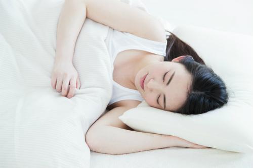 寝る とき の 方角